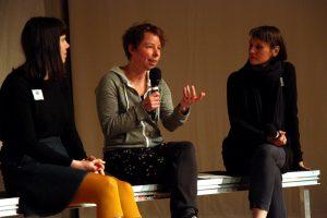 Annette Scheld und die Moderatorinnen Marion Czogalla und Silvia Vormelker. Bild: Tom Ben Guischard.